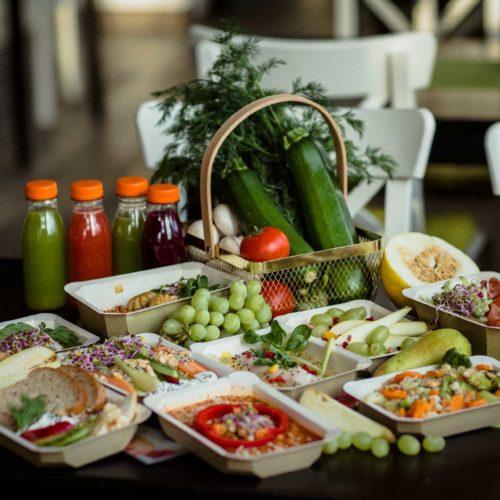 Zestaw owoców i warzyw Dietostrefa Catering Dietetyczny Dieta pudełkowa z dostawą